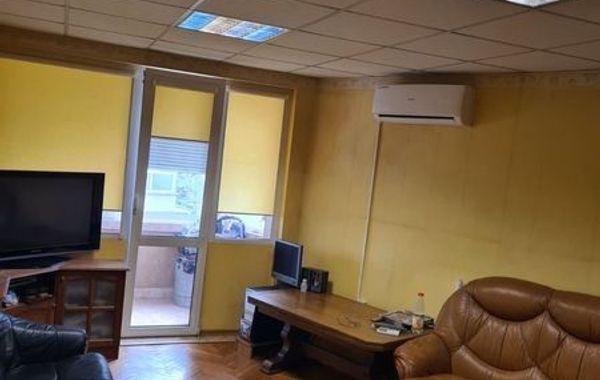 тристаен апартамент варна qxtur5uc
