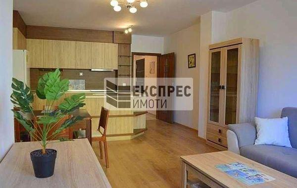 тристаен апартамент варна qy9e6pyk