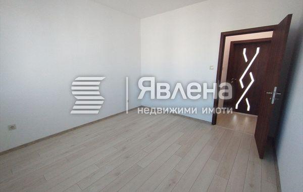 тристаен апартамент варна r4k4rtb8