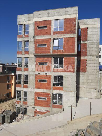 тристаен апартамент варна r91ybubx