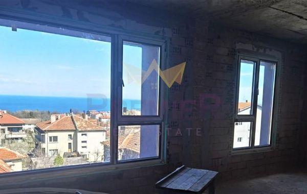 тристаен апартамент варна r9aapnuv