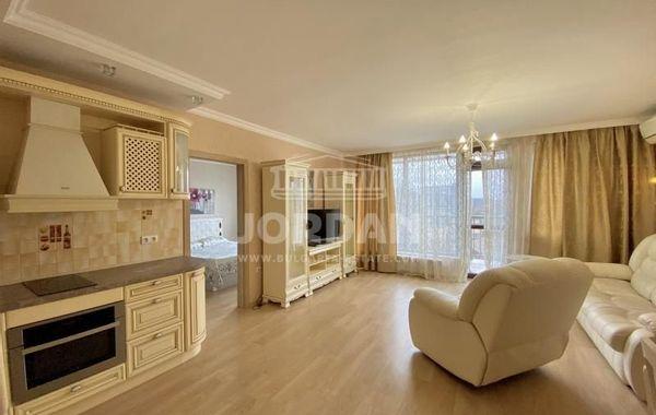 тристаен апартамент варна r9b7b6pv
