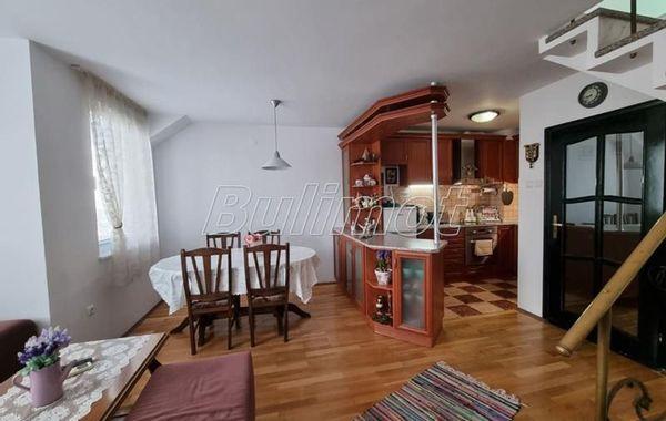 тристаен апартамент варна rdm7asjr