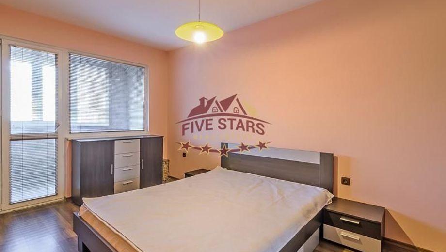 тристаен апартамент варна rj6q6q4r