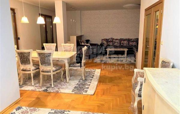 тристаен апартамент варна rnvctndv