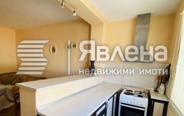 тристаен апартамент варна rrvu816d