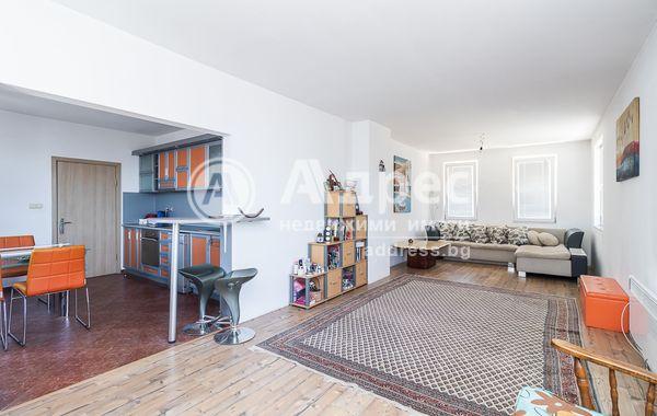 тристаен апартамент варна rv1w4bl5