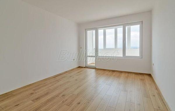тристаен апартамент варна rvp92k84