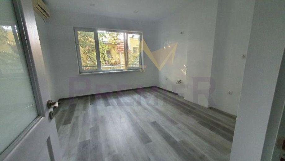 тристаен апартамент варна s7efxvfg