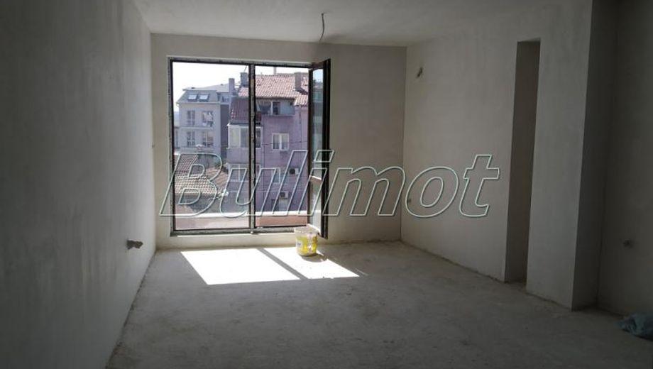 тристаен апартамент варна s94n35l3