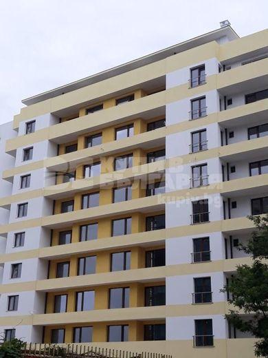 тристаен апартамент варна sfse4ys8