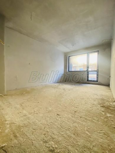 тристаен апартамент варна sj6xwju3