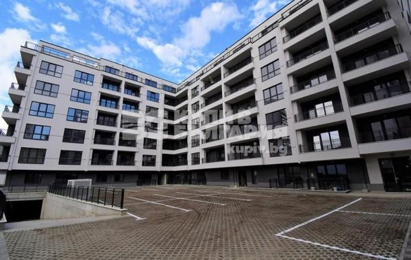 тристаен апартамент варна sjxmpkkw
