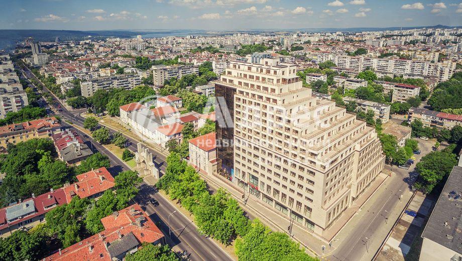 тристаен апартамент варна sk7vpel3