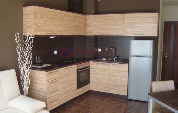 тристаен апартамент варна sle7bbnu