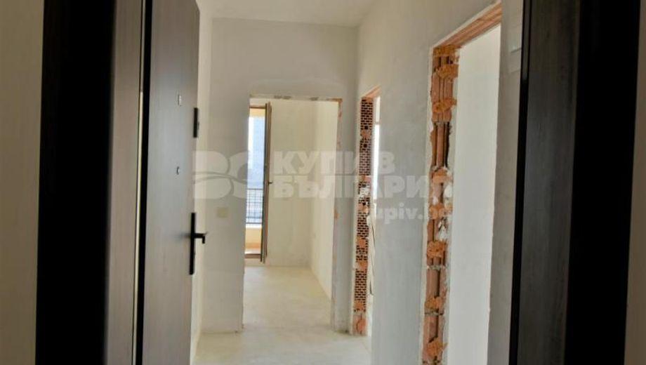 тристаен апартамент варна ss1ee5vl