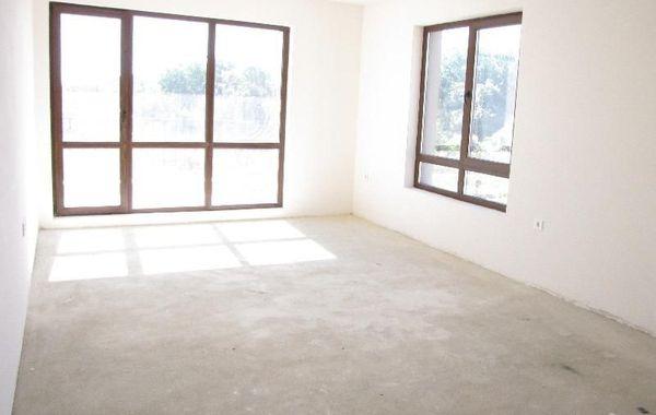 тристаен апартамент варна ss75hgcu