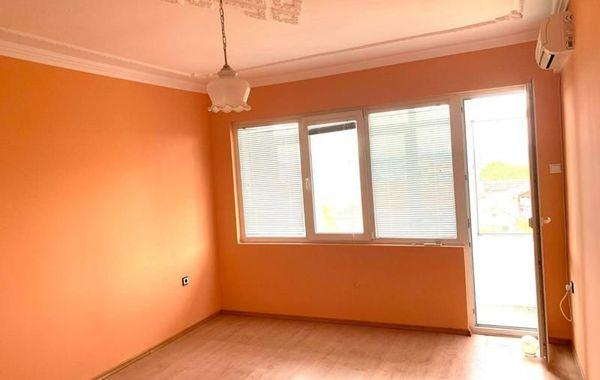 тристаен апартамент варна tj3lk3fy
