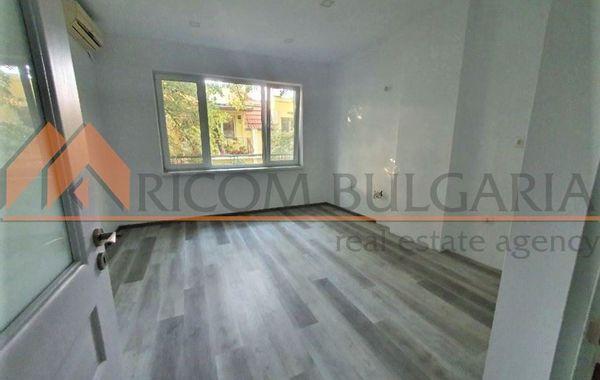 тристаен апартамент варна tjmur5u2