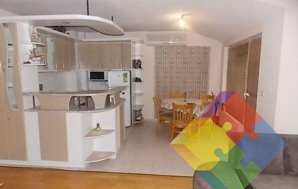 тристаен апартамент варна tjs62wm4