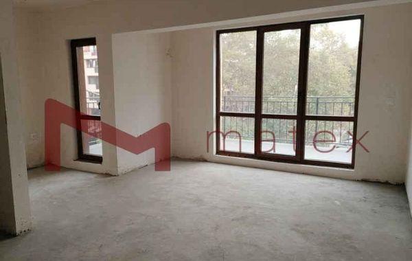 тристаен апартамент варна tlnqxvph