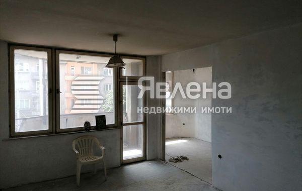 тристаен апартамент варна tppvhtca