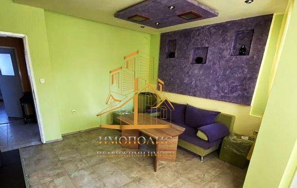 тристаен апартамент варна tqes8qsm