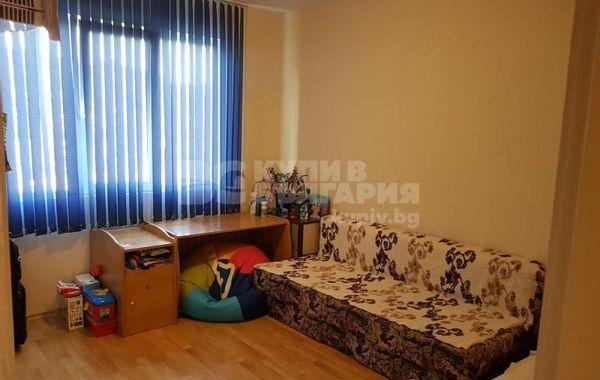 тристаен апартамент варна u4a7clhc
