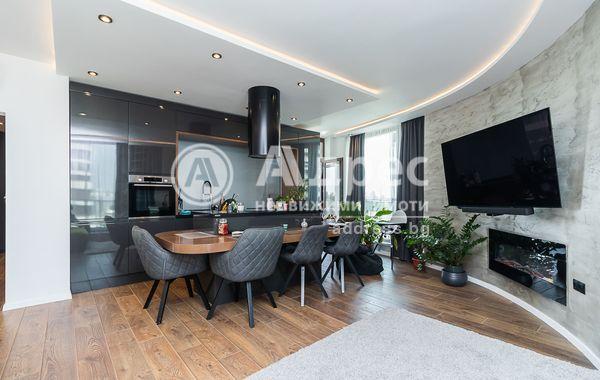 тристаен апартамент варна u75h78la