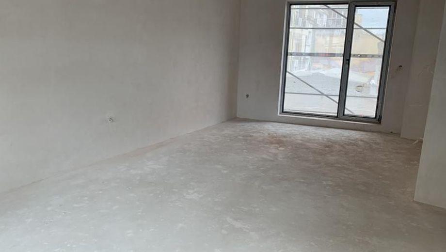 тристаен апартамент варна uf288cwu