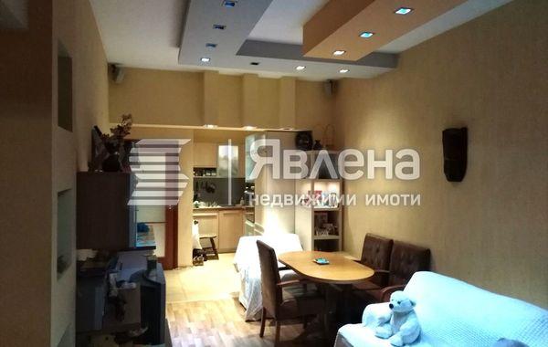 тристаен апартамент варна ufg1l8b6