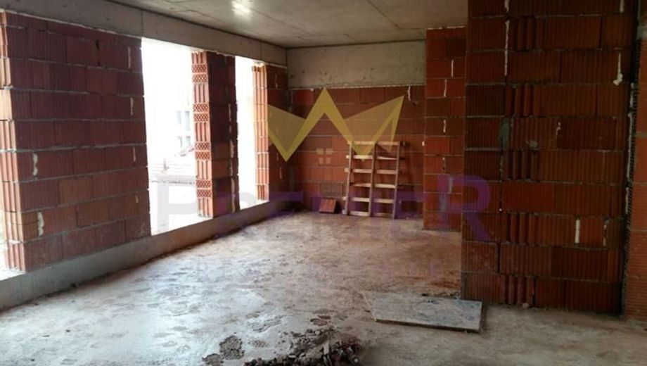 тристаен апартамент варна ugmettlq