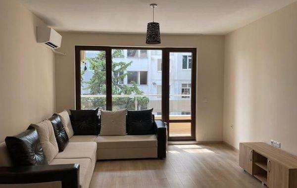 тристаен апартамент варна unh3rpq2
