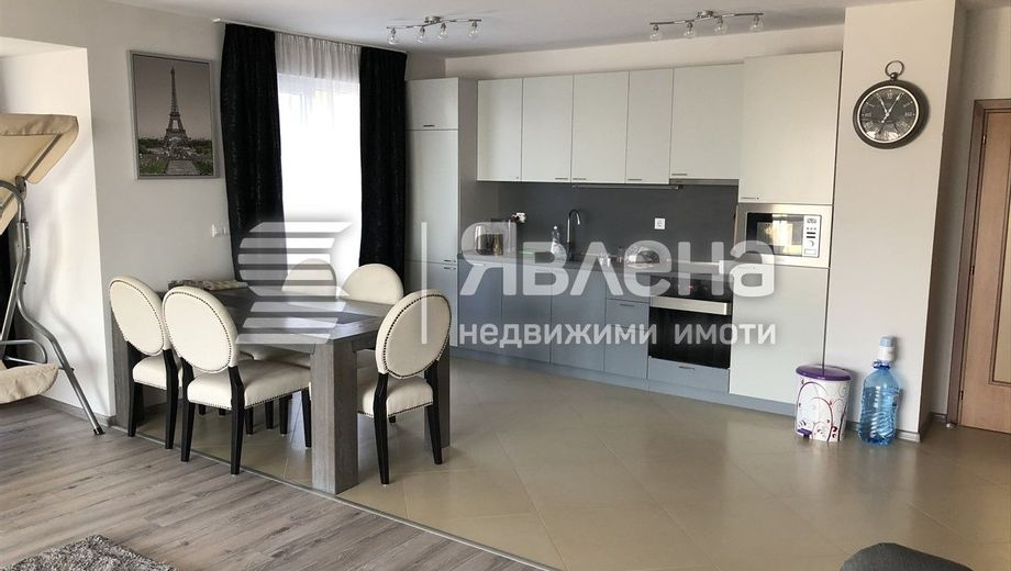тристаен апартамент варна uqpls5ps