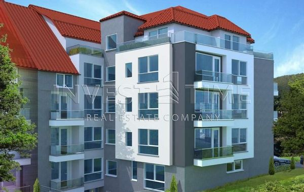 тристаен апартамент варна ur7wey2p