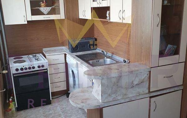 тристаен апартамент варна v486jptl