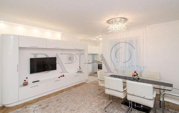 тристаен апартамент варна vfu6ms7d