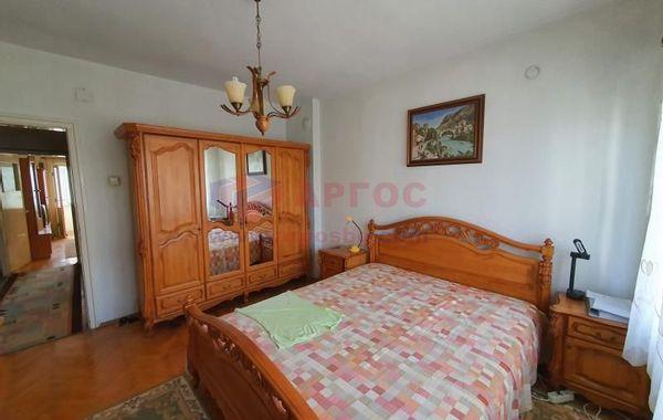 тристаен апартамент варна vh9pk47q