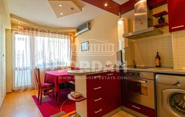 тристаен апартамент варна vq4nhxjx