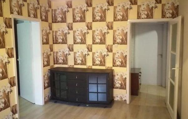 тристаен апартамент варна vqng959j