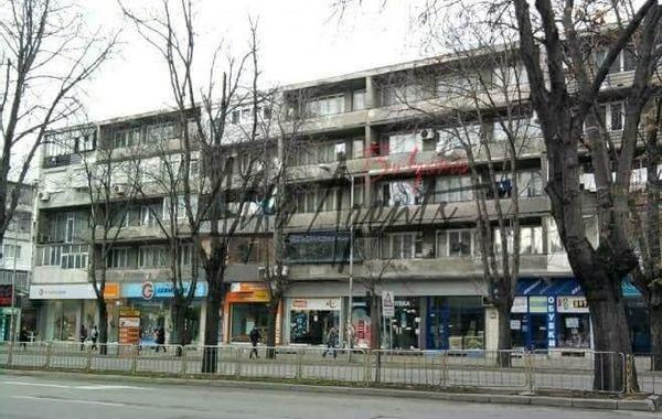 тристаен апартамент варна vuyb1s2t