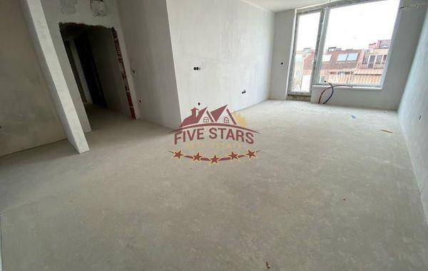 тристаен апартамент варна w1xx6rcc