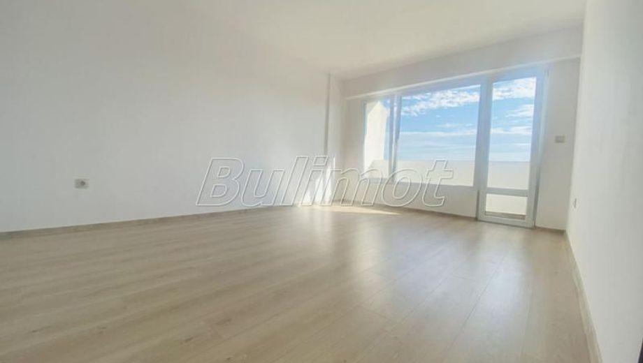 тристаен апартамент варна w2x19yer