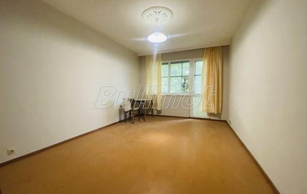 тристаен апартамент варна w9f139hd