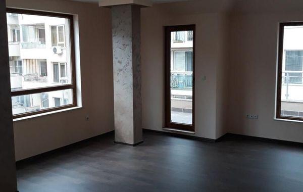 тристаен апартамент варна wa3ywbkg
