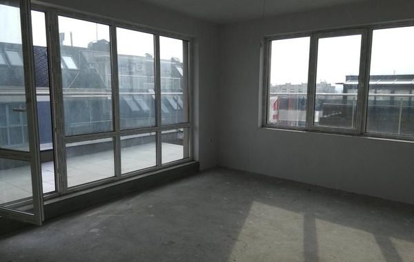 тристаен апартамент варна wfjs52qq