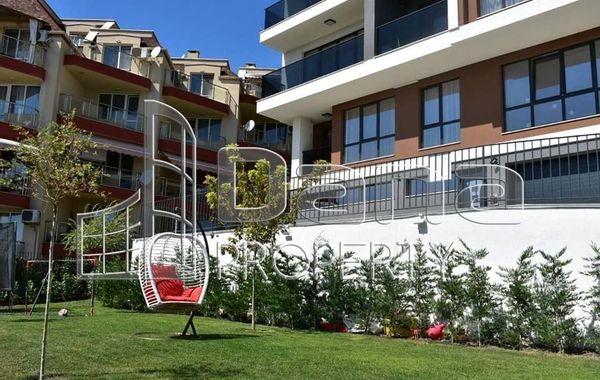 тристаен апартамент варна wp4led8l