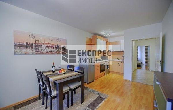 тристаен апартамент варна wxx9g781