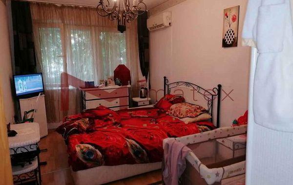 тристаен апартамент варна x2r9ku8m
