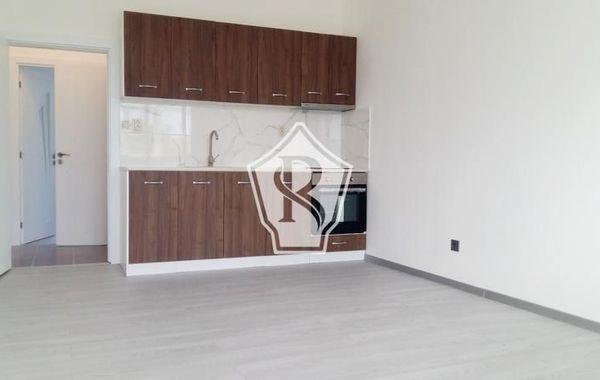 тристаен апартамент варна xfdqayxw